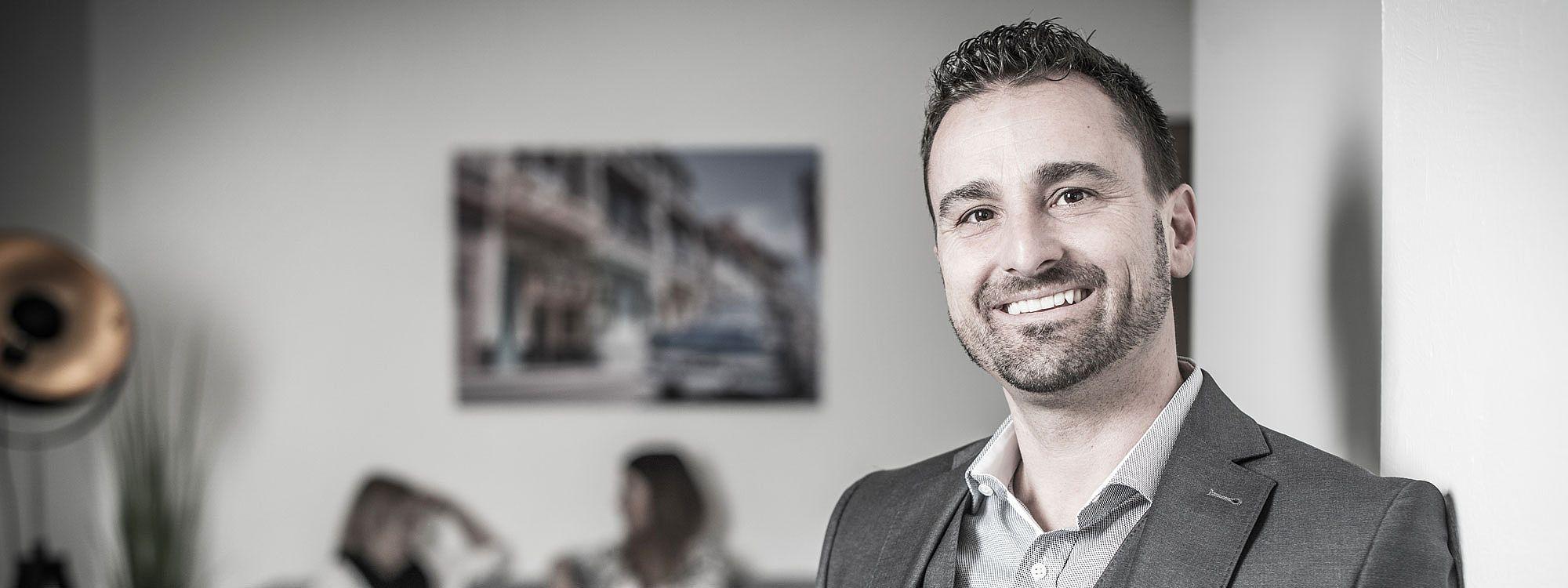 Werbe- und Direktmarketingagentur ProKontakt GmbH: Markus Albegger und sein Team bieten Ihnen eine Rundumbetreuung, wenn es um Gestaltung, Fotografie, Druck, Texte, Porto und Ihre Gästekartei geht.